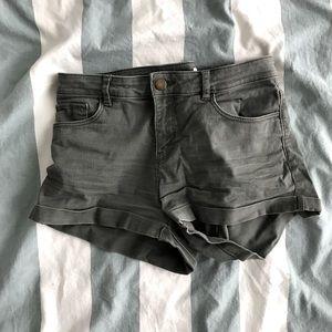 Kaki shorts